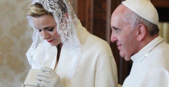 من هنّ النساء اللواتي يسمح لهن بارتداء الأبيض في الفاتيكان؟