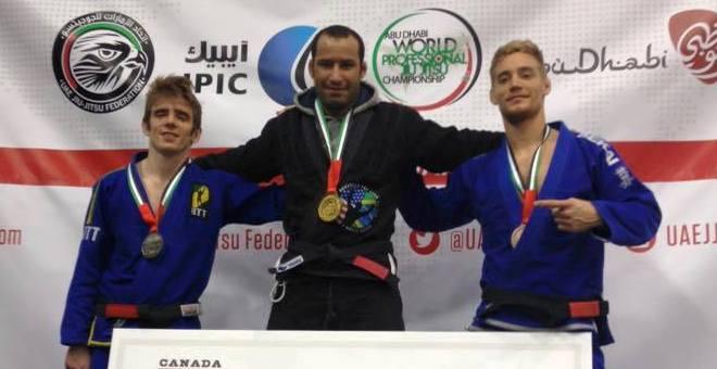 أنيس الحجاجي يمثل المغرب في بطولة العالم للجوجيتسو بأبو ظبي