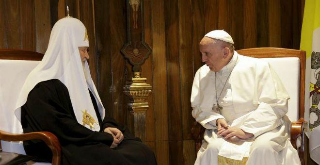 لقاء تاريخي بين البابا فرانسيس والبطريرك كيريل