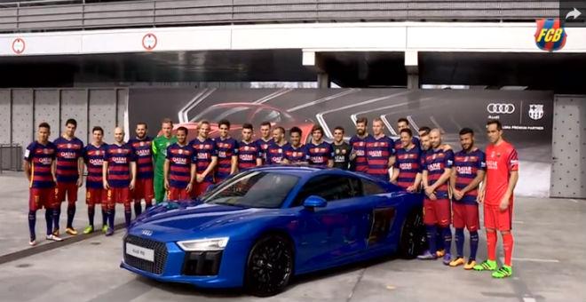 سيارة فارهة تثير إعجاب نجوم برشلونة !