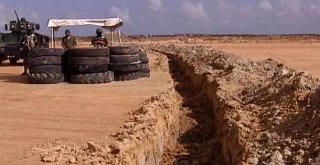 تونس تعلن الانتهاء من بناء الجدار الرملي مع ليبيا