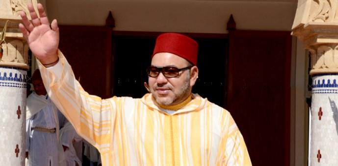 خطيب الجمعة في العيون يتحدث عن الأيادي البيضاء للملك على المغرب