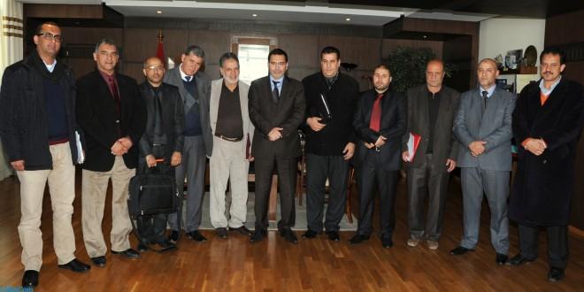 مصطفى الخلفي مع ممثلي الصحافة الجهوية بالوزارة.