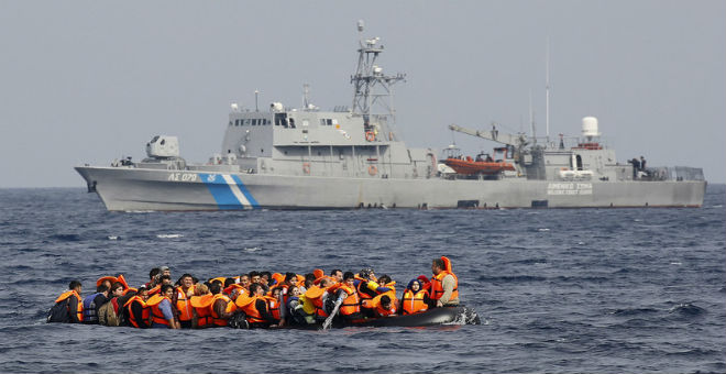 هل تتسبب تدفقات اللاجئين في إخراج اليونان من منطقة