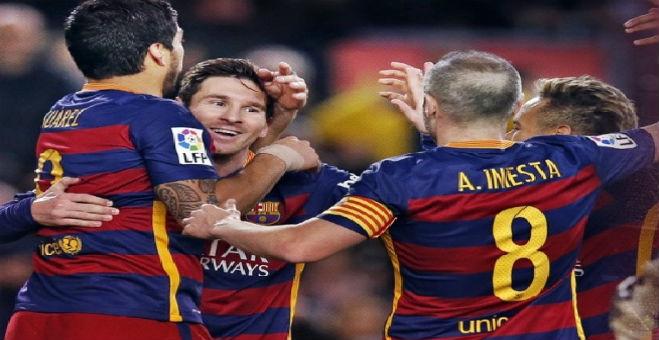 فريق برشلونة يسحق إيبار برباعية نظيفة