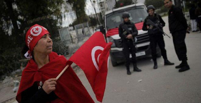 تونس: وزارة الداخلية تعلن رفع حظر التجول