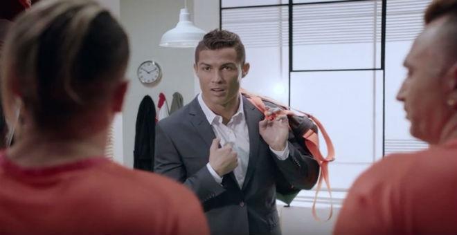 انتقادات ضد رونالدو بسبب إعلان