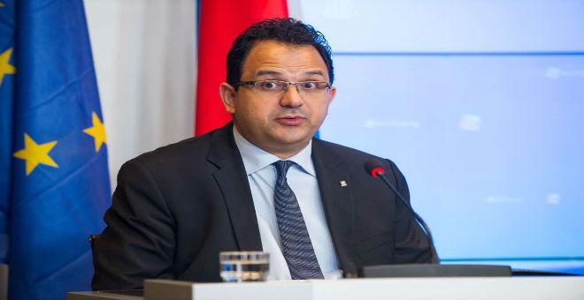 وزير التشغيل التونسي يدعو لنبذ التيئيس وإشاعة الأمل