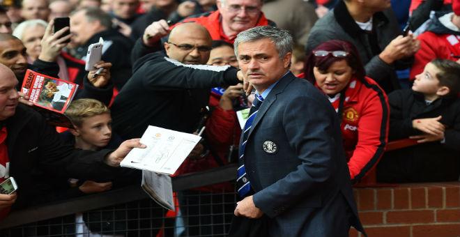 مانشستر يونايتد ينهي إجراءات التعاقد مع مورينيو