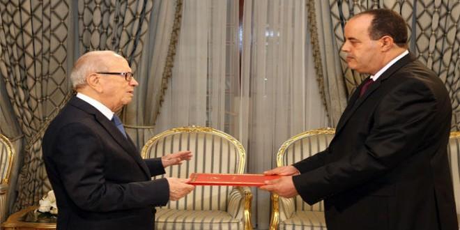ناجم الغرسلي يتسلم أوراق اعتماده سفيرا للمغرب من الرئيس التونسي قايد السبسي