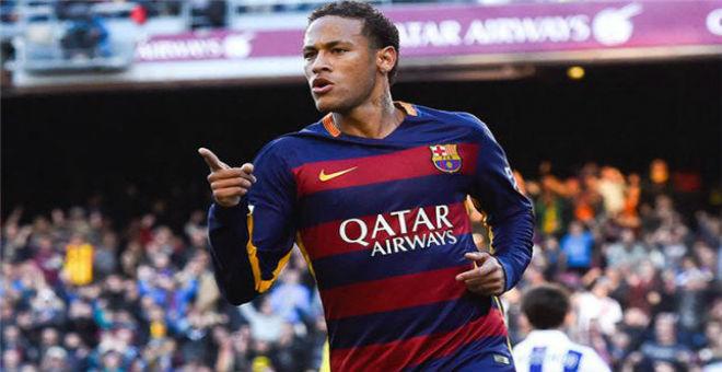 نيمار يجدد عقده مع برشلونة رغم إغراءات الريال