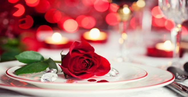 4 أفكار مبتكرة لعشاء رومانسي في يوم الحب