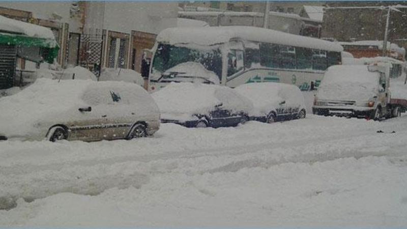 الثلوج توقف حركة السير بين تطوان والحسيمة