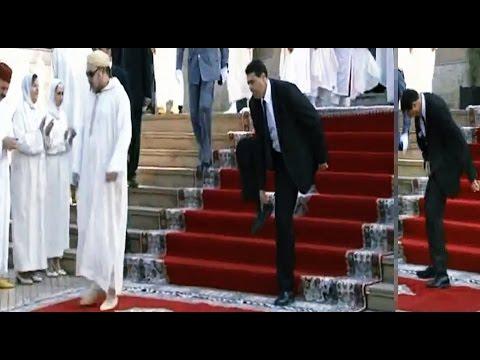 بالفيديو | موقف محرج لحارس الملك محمد السادس على المباشر