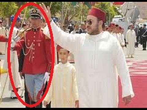 فيديو | الملك محمد السادس يرد الاعتبار لحارس من الحرس الملكي