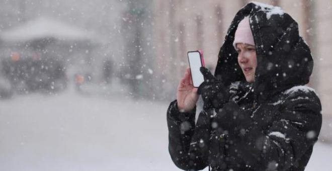 البرد يستنزف بطارية هاتفك