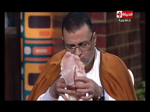 بالفيديو.. مصري تزوج 62 مرة ويأكل اللحم النيئ