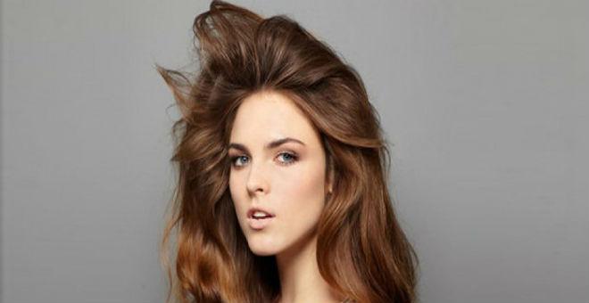 حيلة سحرية ستزيد كثافة شعرك في ثوان معدودة