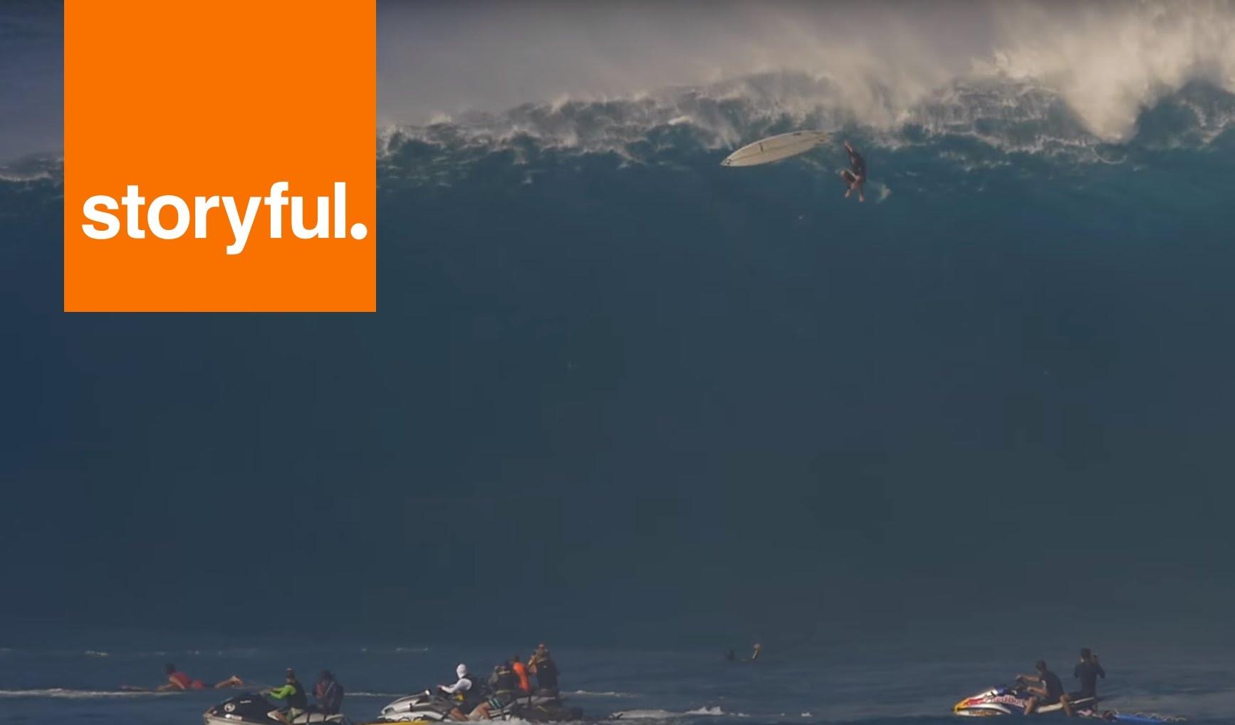 بالفيديو..موجة عملاقة في هاواي تبتلع راكبا للأمواج