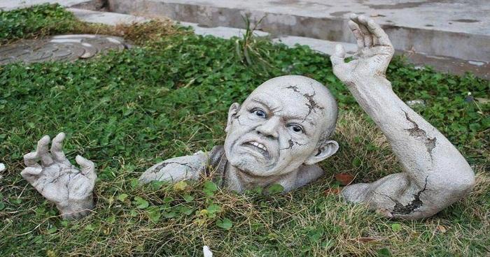شاهد أغرب المقابر في العالم