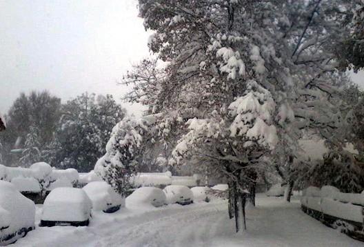 بالفيديو و الصور | مدن مغربية تكسوها الثلوج من جديد