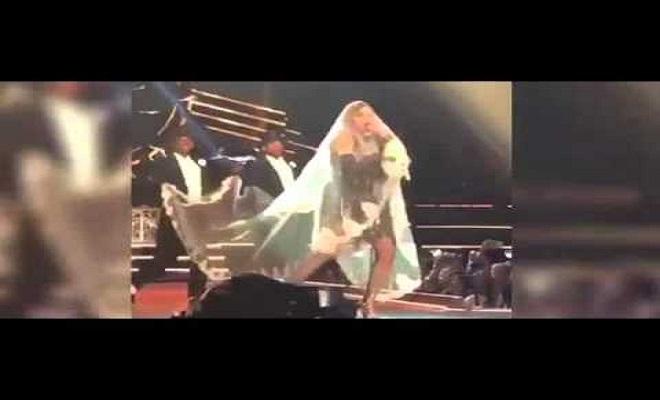 فيديو | مادونا تتعرض لموقف محرج على المسرح