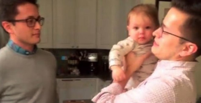 بالفيديو.. طفل يحتار: من هو أبي؟