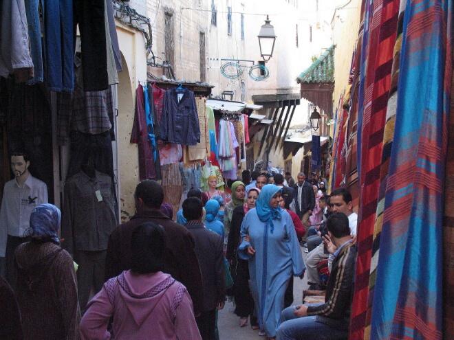 72 بالمائة من الأسر المغربية تعيش بعيدا عن ''الأصهار'' !!