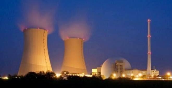 الاستخدام السلمي والعسكري للطاقة النوويّة