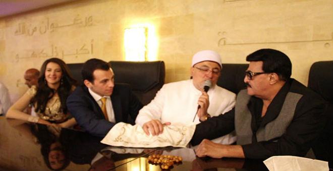 بالفيديو..موقف كوميدي في عقد قران دنيا سمير غانم