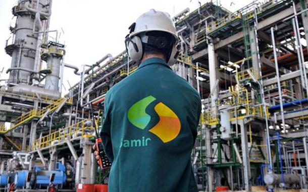 عمال ''سامير'' يتحالفون مع النقابات ضد بن كيران