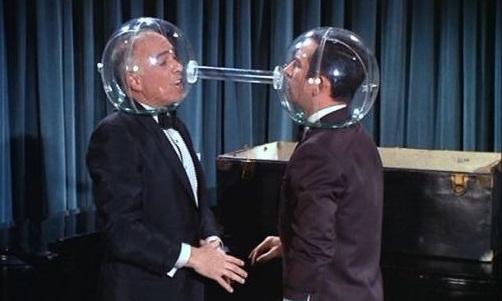 فيلم قديم قدم فكرة إختراع للمكالمات الخاصة والسرية للغاية