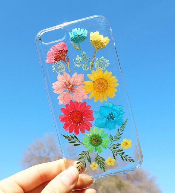 آي فون وغالكسي تتزين بزهور2