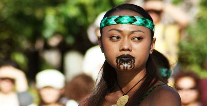 معايير الجمال..بين التقاليد الغريبة والهوس القاتل