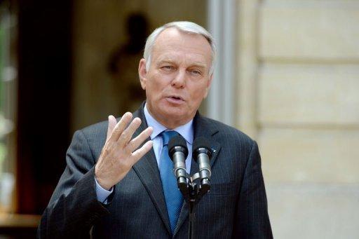 رئيس الدبلوماسية الفرنسية يؤكد دعم بلاده للحكم الذاتي من قلب الجزائر