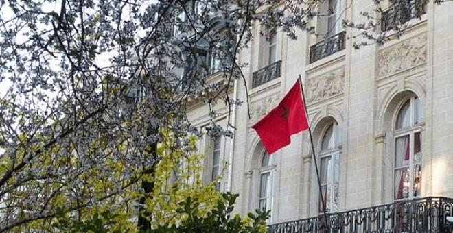العثور على اثنين من رؤوس الخنازير  أمام مقر  إقامة سفير المغرب بفرنسا