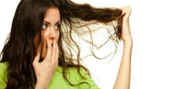 وصفات مذهشة ستخلصك من رائحة الشعر المزعجة