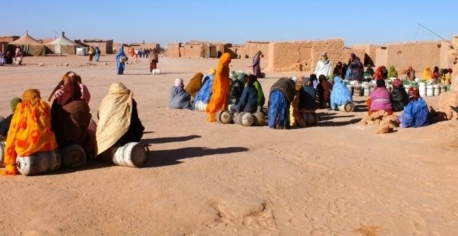 قنصلية المغرب ببروكسيل تفضح معاناة النساء المحتجزات بمخيمات تندوف