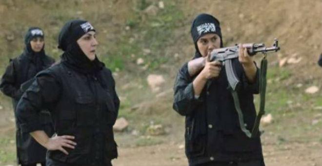"بالفيديو.. هند صبري تنضم لـ""داعش"""