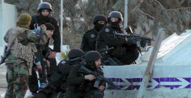 باحث فرنسي: يخشى حدوث الأسوأ في تونس