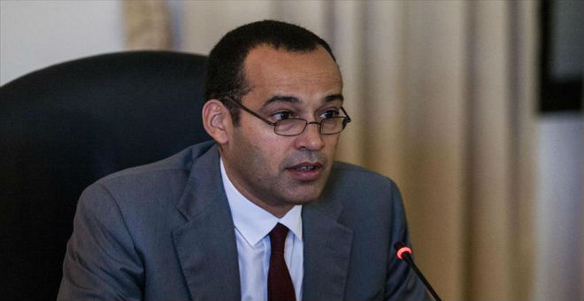 اتهامات لوزير تونسي بإبرام صفقة مع شركة إسرائيلية