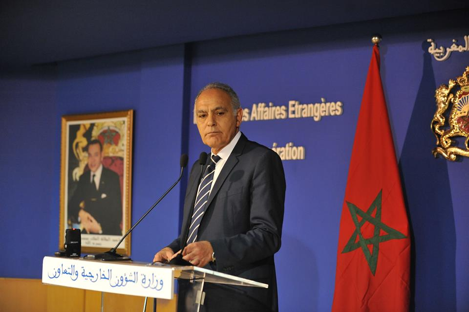 بالفيديو: جزائري ينعت محلل ليبي