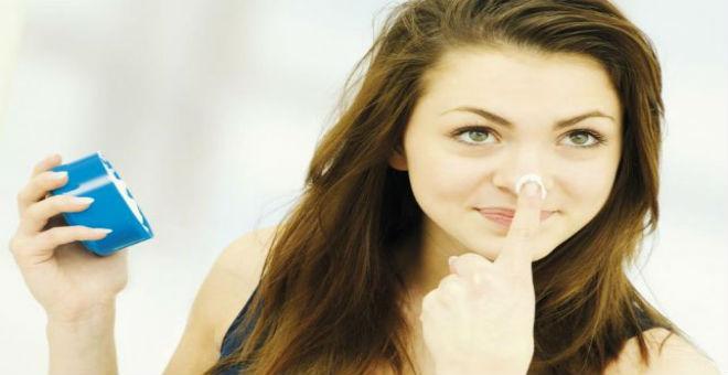 دليلك لـ 10 علاجات آمنة وطبيعية لتفتيح البشرة