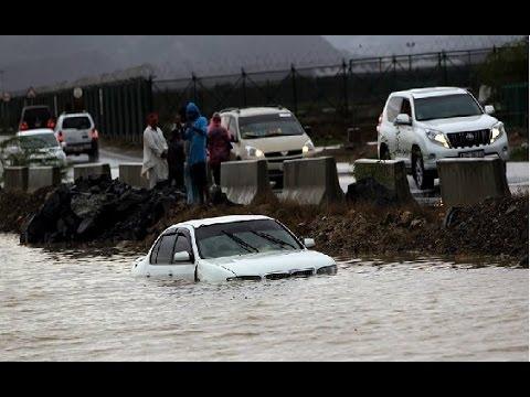فيضانات و أعاصير بالإمارات اليوم..
