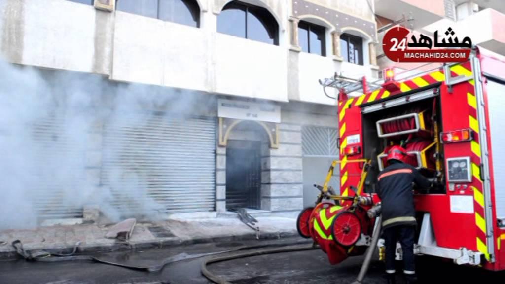 بالفيديو.. ألسنة النار تخرج سكان عمارة بالبيضاء من منازلهم