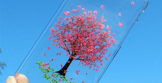 احتفالا بالربيع أغطية آي فون وغالكسي تتزين بزهور طبيعية