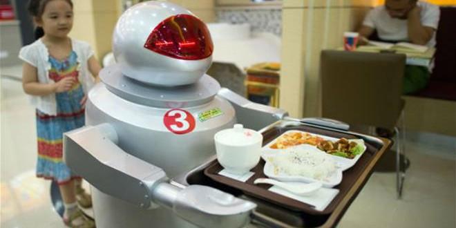 مطعم صيني يوظف روبوتا