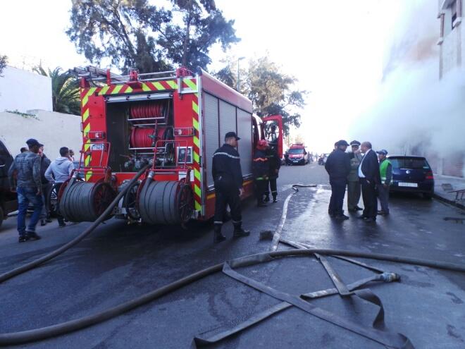 بالصور.. حريق مهول بالبيضاء يتسبب في اختناقات وخسائر مادية كبيرة