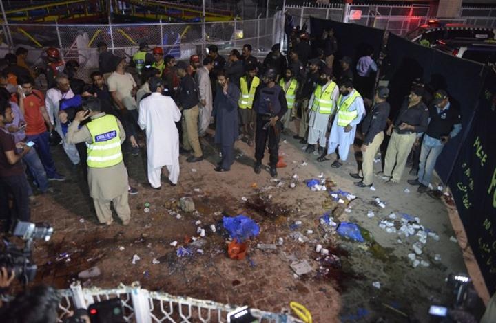 أكثر من 60 قتيلا ومئات الجرحى في تفجير بمدينة لاهور الباكستانية