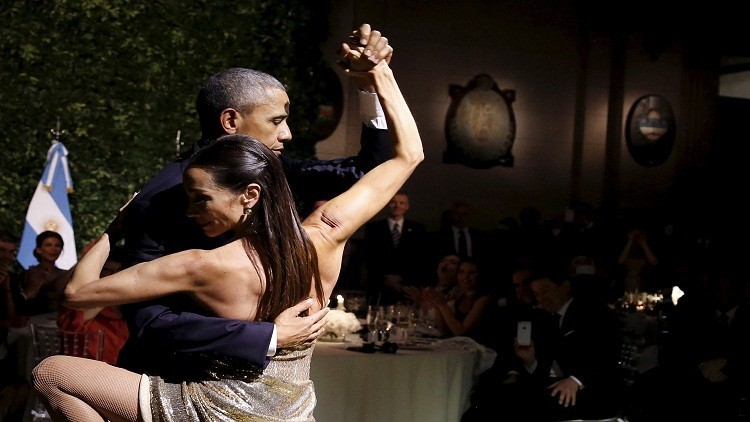 شاهد.. باراك أوباما يرقص التانغو